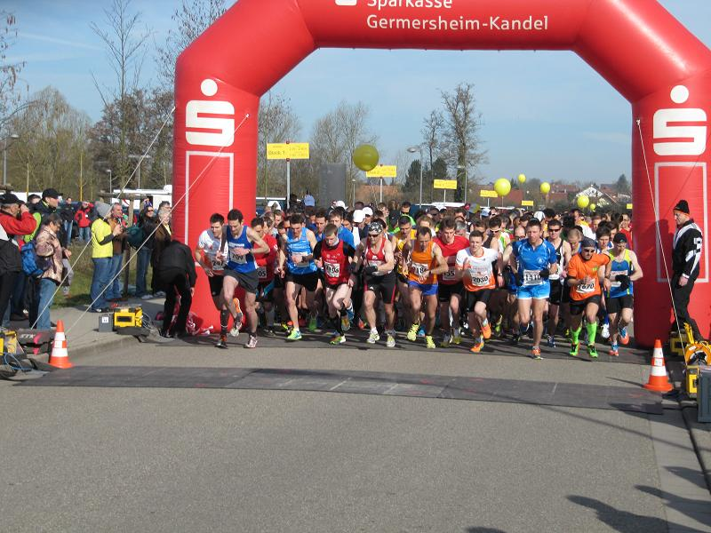 Start zum Internationalen Bienwaldmarathon. Archivbild Pfalz-Express