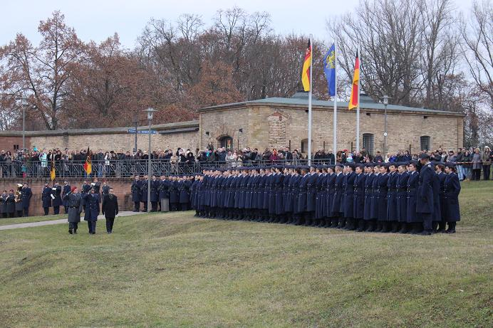 Geloebnis Germersheim 15.12. 2016, Bundeswehr, Suedpfalz-Kaserne, Olboeter 7
