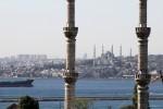 Istanbul - Blick über den Bosporus.