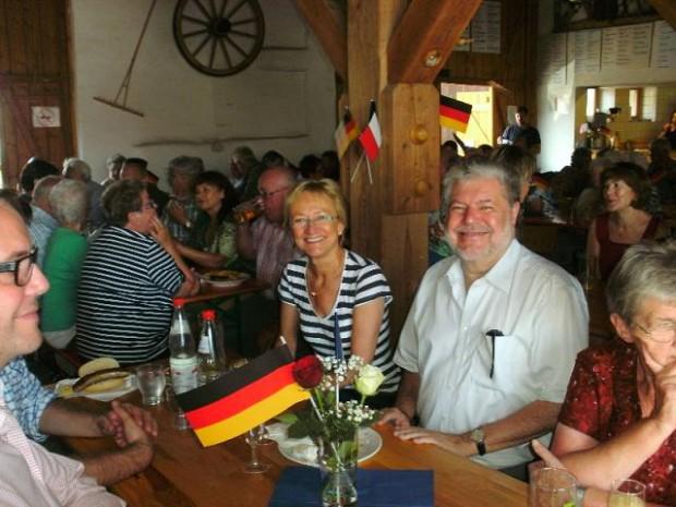 Ex-Ministerpräsident Kurt Beck beim Sommerfest der SPD in der Kulturscheune Minfeld