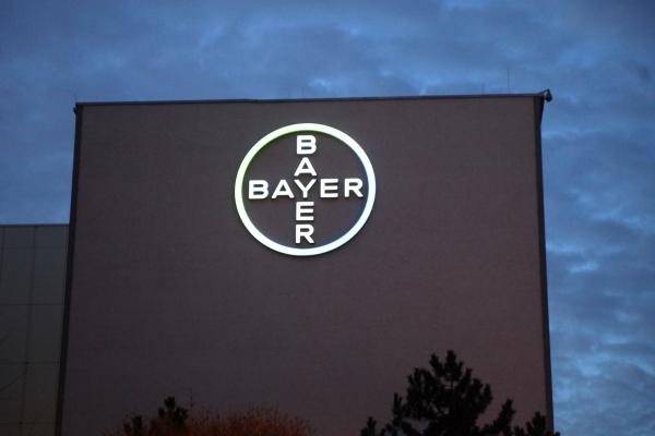 Fassade eines Bayer-Gebäudes
