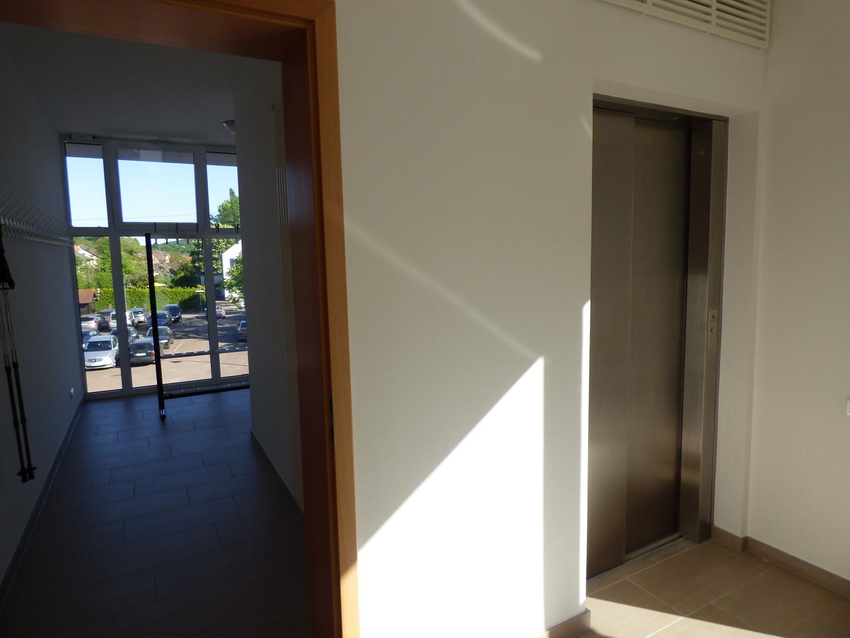 eu erthaler dorfgemeinschaftshaus jetzt barrierefrei pfalz express. Black Bedroom Furniture Sets. Home Design Ideas