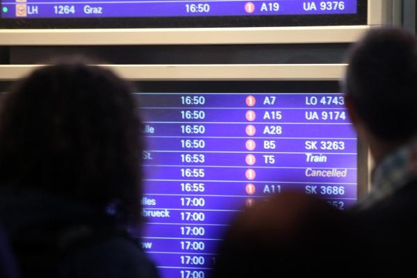 Flugzeiten-Tafel