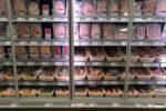 Wurst in einem Supermarkt im Kühlregal