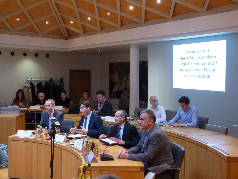 Stadtrat Spricht Sich Für Zusammenführung Der Hochschulstandorte