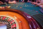 Roulette-Tisch mit Spielern